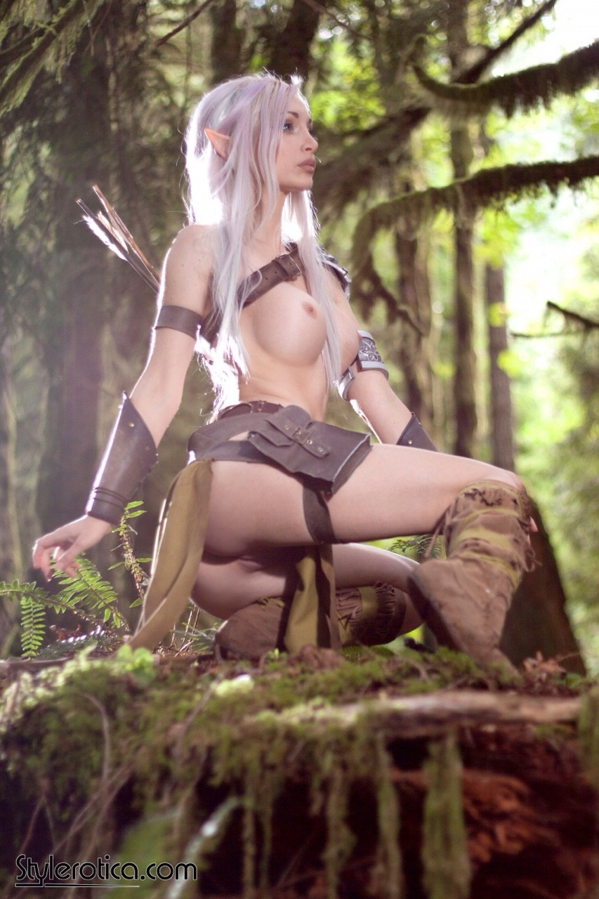 Naked blue elf cosplay sex comic